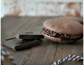 Schokoladen Macarons schön verpackt  – Rezept und Download