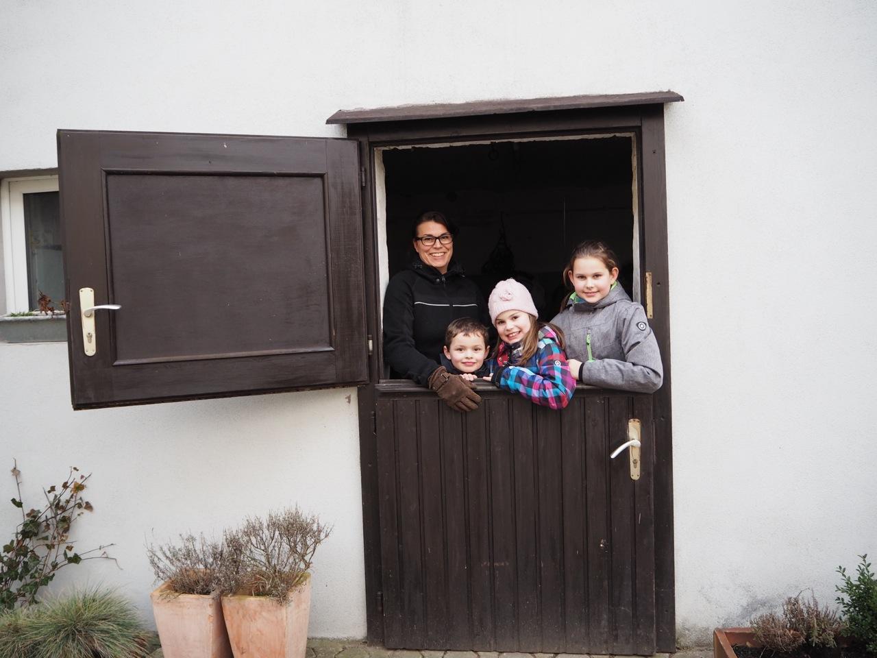 Ponyhof-madbachhof Familie Schmitz