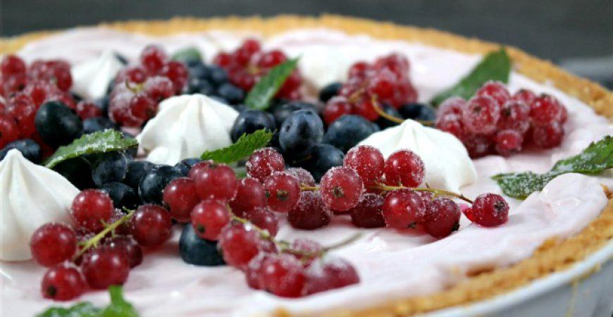 Tarte fruitée – Tarte aus fruchtiger Crème und Beeren // Rezept #ichbacksmir