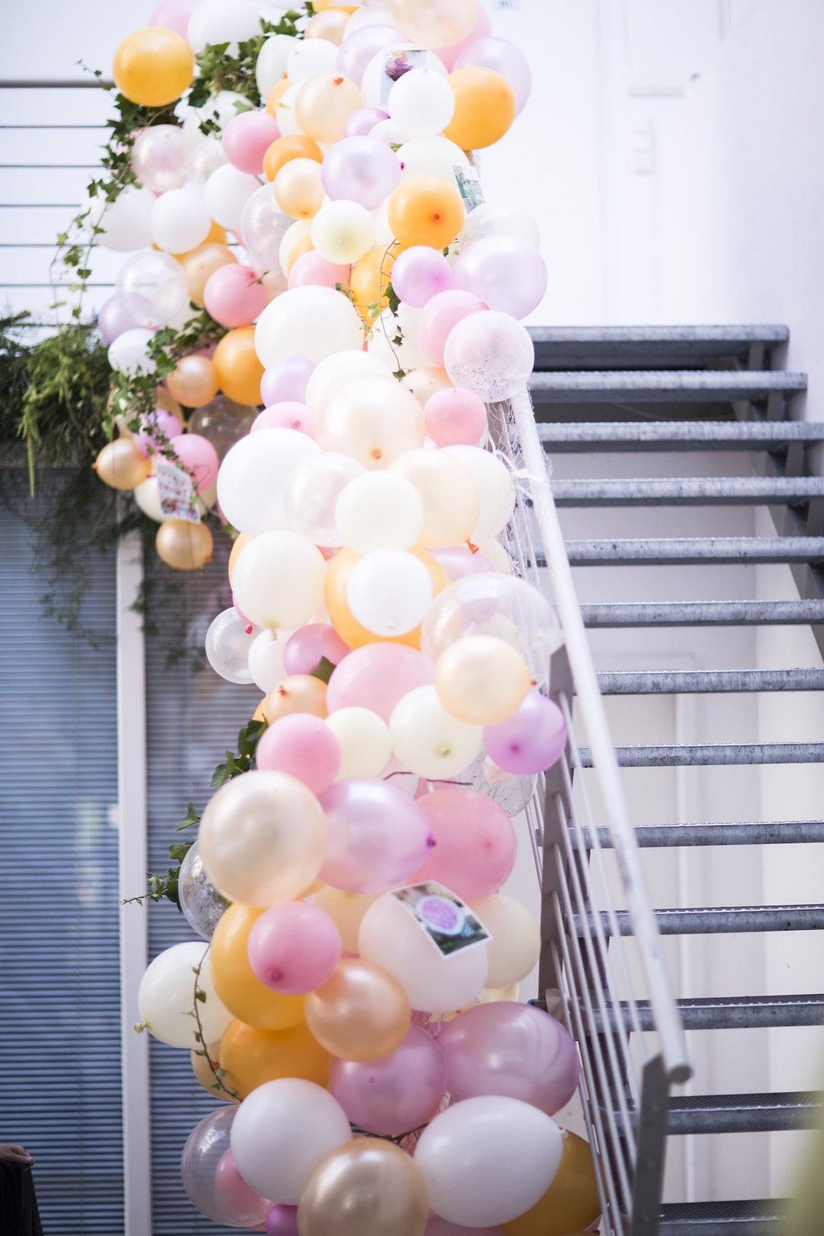 Luftballons im Dusdio Lichtstrass in Ehrenfeld
