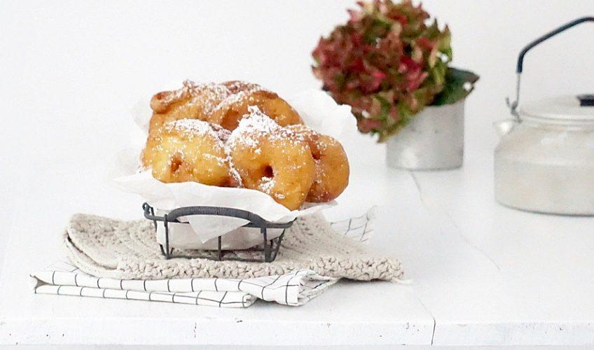 Apfelringe in Weissweinteig gebacken